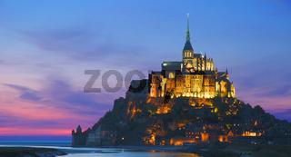 der abendliche Mont St. Michel