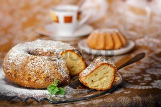 Sponge ring cake