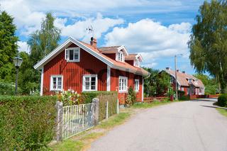 Idyllische Straße in Pataholm, Schweden