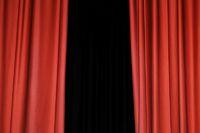 Alter roter Vorhang