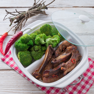 grilled ones rib with broccoli