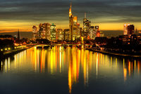 Frankfurt  Skyline am Abend