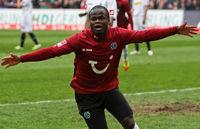 Didier Ya Konan jubelt nach seinem Tor für Hannover 96