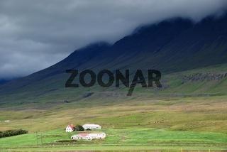 einsamer Hof im Norden Islands
