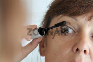 mascara in operation