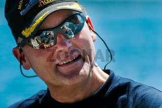 Skipper mit Sonnenbrille