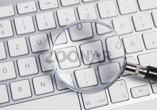 Lupe und Keyboard