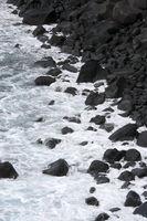 La Palma, schwarze Steine am Meer