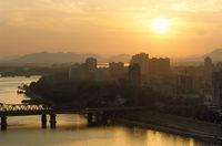 Sonnenuntergang über Pjongjang, Nordkorea