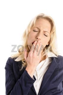 Attraktive junge Frau ist müde