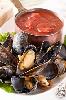 Mussels with tomato sauce