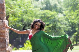 Junge indische Frau in einem Saree