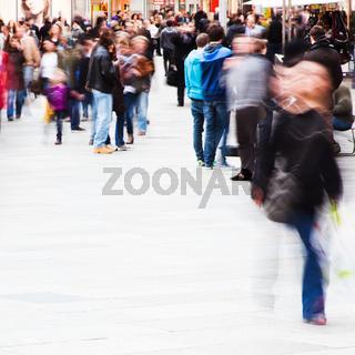 Menschenmassen in der Großstadt
