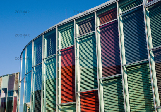 Glasfassade bunt  Foto Bunte Glasfassade Bild #2795283