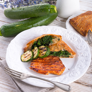 grilled steaks with puff pastry bag and zucchini