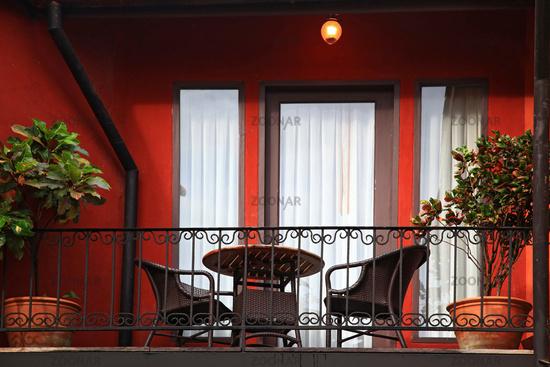 Foto balcony on italian style building bild #4339851.