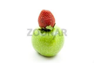 Erdbeere auf Apfel