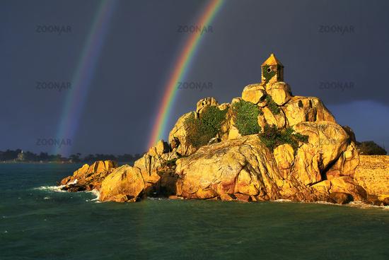 Felsenkapelle Port Blanc, Bretagne, Frankreich
