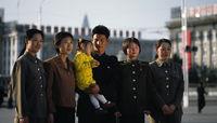 Koreanische Soldaten posieren für Erinnerungsphoto