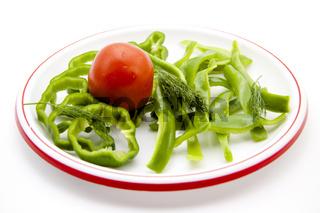 Rote Tomate mit Paprika