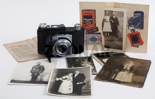 Nostalgische Fototüten mit Fotos