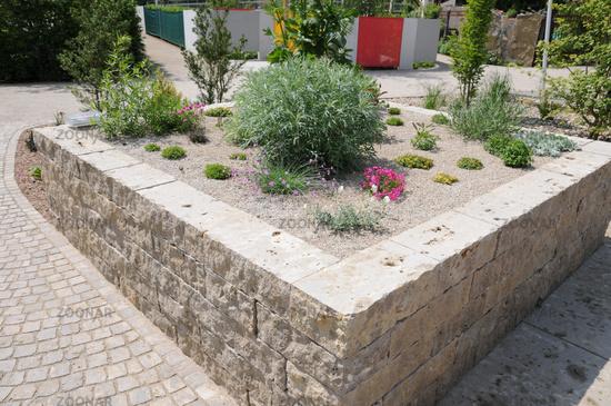 Foto Hochbeet Kiesbeet Natursteinmauern Bild 3572683