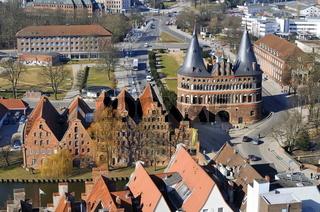 Lübecker Holstentor und Salzspeicher