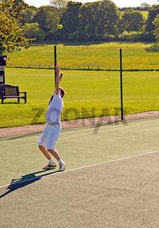 Tennis - serving