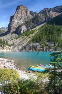 Kanus im Moraine Lake
