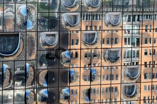 Spiegelung in der Hamburger Elbphilharmonie