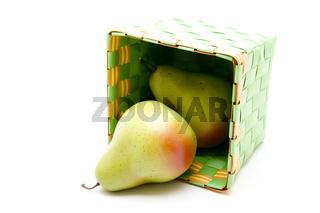 Birnen im Behälter