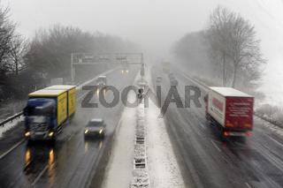A46 bei Schneetreiben