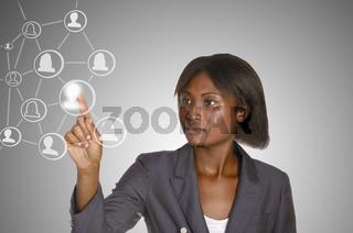 Afrikanische Geschäftsfrau / Soziales Netzwerk