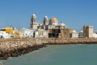 Die Kathedrale in Cadiz. Andalusien