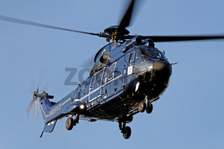 Hubschrauber AS 332 L1 Super Puma der Bundespolizei.