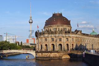 Blick auf den Berliner Fernsehturm und die Museumsinsel