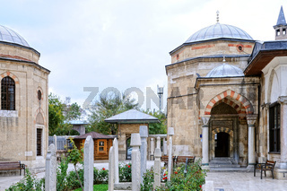 Konya Mevlana Museum  mit Grabsteinen