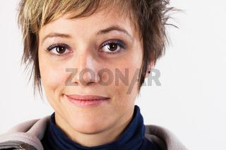 Leicht lächelnde jungen Frau, Portrait