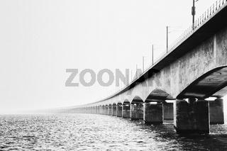 Großer Belt Brücke in schwarz-weiß