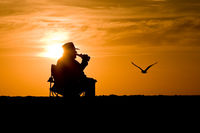 Silhouette Mann im Sonnenuntergang