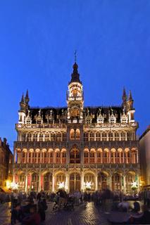 Maison du Roi in Brüssel während der blauen Stunde