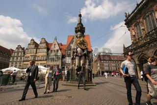Die Statue ' Der Roland' ist Mittelpunkt und Wahrzeichen der Stadt Bremen