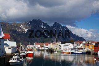 Fishing harbour in Henningsvaer
