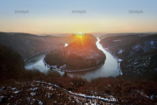 Sonnenaufgang ueber der Saarschleife, Orscholz, Saarland, Germany