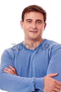 Junger mann mit blauem pullover profil isoliert