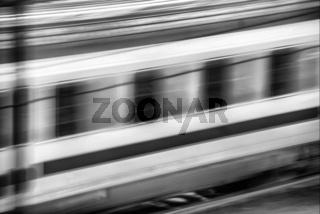 Fahrender Zug