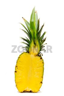 Ananas aufgeschnitten