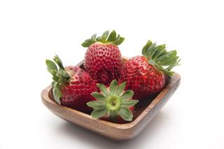 Erdbeeren in Schuessel