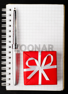 gift box with notepad