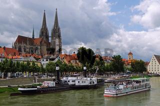 Blick auf den Dom Sankt Peter in Regensburg